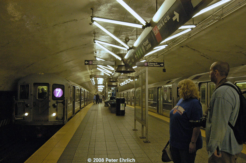 (227k, 930x618)<br><b>Country:</b> United States<br><b>City:</b> New York<br><b>System:</b> New York City Transit<br><b>Line:</b> IRT Flushing Line<br><b>Location:</b> Grand Central <br><b>Route:</b> 7<br><b>Car:</b> R-62A (Bombardier, 1984-1987)  2085 <br><b>Photo by:</b> Peter Ehrlich<br><b>Date:</b> 9/28/2008<br><b>Notes:</b> Grand Central outbound.  With 2123 inbound.<br><b>Viewed (this week/total):</b> 2 / 1717