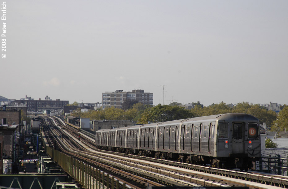(168k, 930x611)<br><b>Country:</b> United States<br><b>City:</b> New York<br><b>System:</b> New York City Transit<br><b>Line:</b> BMT West End Line<br><b>Location:</b> 71st Street <br><b>Route:</b> D<br><b>Car:</b> R-68 (Westinghouse-Amrail, 1986-1988)  2666 <br><b>Photo by:</b> Peter Ehrlich<br><b>Date:</b> 9/30/2008<br><b>Notes:</b> Outbound train.<br><b>Viewed (this week/total):</b> 2 / 1324
