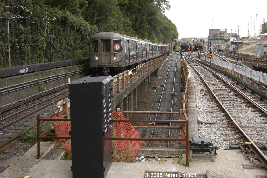(270k, 930x618)<br><b>Country:</b> United States<br><b>City:</b> New York<br><b>System:</b> New York City Transit<br><b>Line:</b> BMT West End Line<br><b>Location:</b> 9th Avenue <br><b>Route:</b> D<br><b>Car:</b> R-68 (Westinghouse-Amrail, 1986-1988)  2772 <br><b>Photo by:</b> Peter Ehrlich<br><b>Date:</b> 9/30/2008<br><b>Notes:</b> Outbound train.<br><b>Viewed (this week/total):</b> 0 / 1969