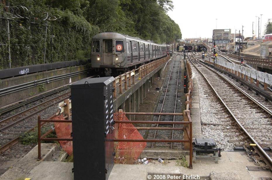 (270k, 930x618)<br><b>Country:</b> United States<br><b>City:</b> New York<br><b>System:</b> New York City Transit<br><b>Line:</b> BMT West End Line<br><b>Location:</b> 9th Avenue <br><b>Route:</b> D<br><b>Car:</b> R-68 (Westinghouse-Amrail, 1986-1988)  2772 <br><b>Photo by:</b> Peter Ehrlich<br><b>Date:</b> 9/30/2008<br><b>Notes:</b> Outbound train.<br><b>Viewed (this week/total):</b> 0 / 1980