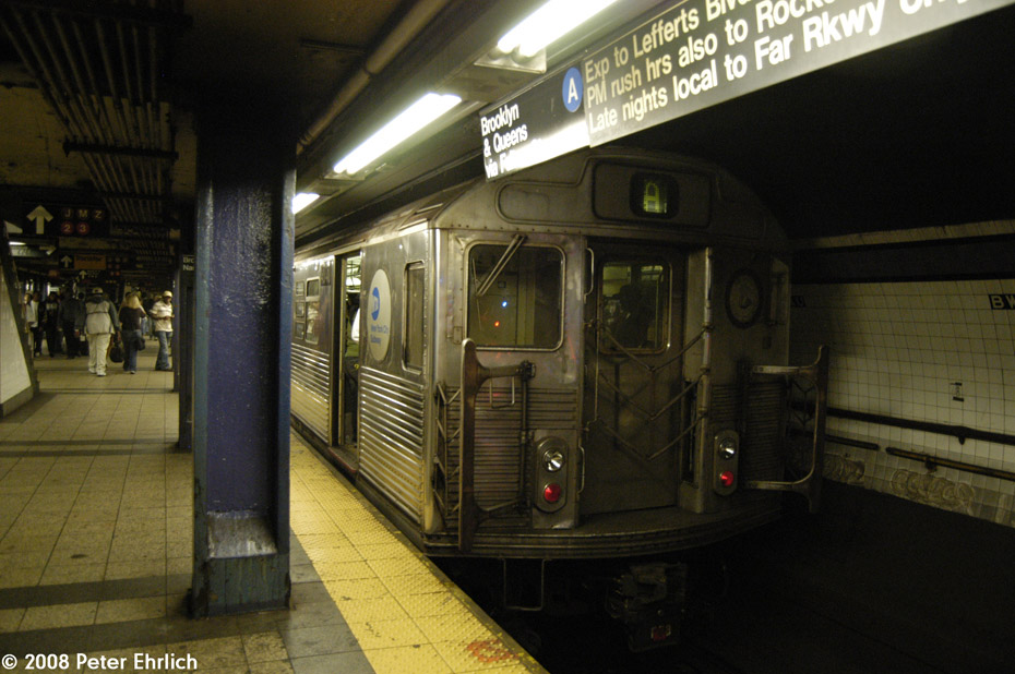 (192k, 930x618)<br><b>Country:</b> United States<br><b>City:</b> New York<br><b>System:</b> New York City Transit<br><b>Line:</b> IND 8th Avenue Line<br><b>Location:</b> Fulton Street (Broadway/Nassau) <br><b>Route:</b> A<br><b>Car:</b> R-38 (St. Louis, 1966-1967)  4040 <br><b>Photo by:</b> Peter Ehrlich<br><b>Date:</b> 9/30/2008<br><b>Viewed (this week/total):</b> 0 / 2381