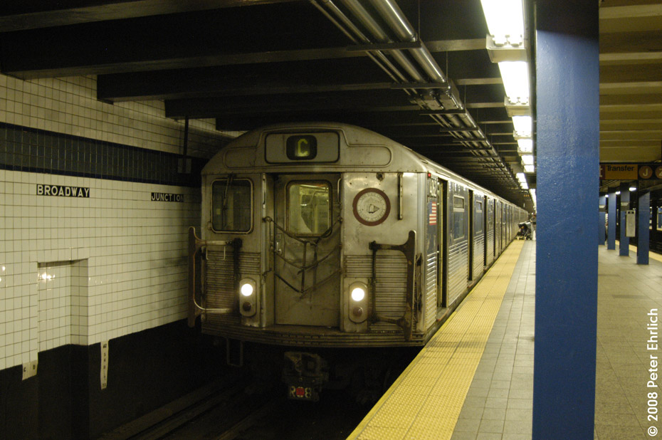 (192k, 930x618)<br><b>Country:</b> United States<br><b>City:</b> New York<br><b>System:</b> New York City Transit<br><b>Line:</b> IND Fulton Street Line<br><b>Location:</b> Broadway/East New York (Broadway Junction) <br><b>Route:</b> C<br><b>Car:</b> R-38 (St. Louis, 1966-1967)  4062 <br><b>Photo by:</b> Peter Ehrlich<br><b>Date:</b> 9/30/2008<br><b>Notes:</b> Broadway Junction inbound.<br><b>Viewed (this week/total):</b> 0 / 1471