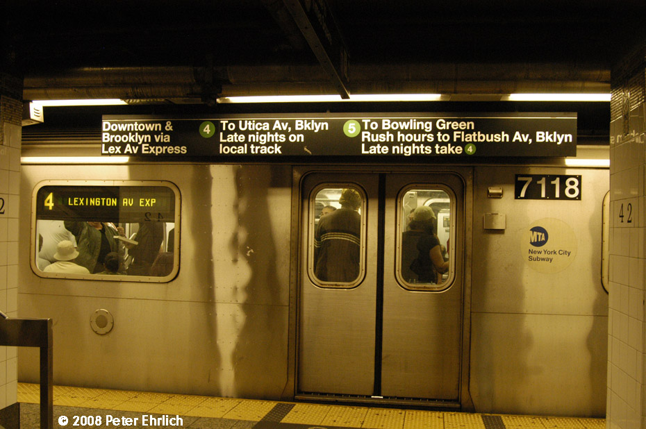 (203k, 930x618)<br><b>Country:</b> United States<br><b>City:</b> New York<br><b>System:</b> New York City Transit<br><b>Line:</b> IRT East Side Line<br><b>Location:</b> Grand Central <br><b>Route:</b> 4<br><b>Car:</b> R-142 (Option Order, Bombardier, 2002-2003)  7118 <br><b>Photo by:</b> Peter Ehrlich<br><b>Date:</b> 9/28/2008<br><b>Notes:</b> Grand Central southbound.<br><b>Viewed (this week/total):</b> 2 / 3222