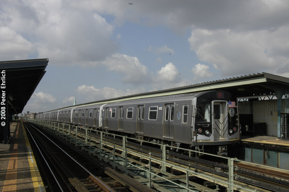 (168k, 930x618)<br><b>Country:</b> United States<br><b>City:</b> New York<br><b>System:</b> New York City Transit<br><b>Line:</b> BMT Myrtle Avenue Line<br><b>Location:</b> Central Avenue <br><b>Route:</b> M<br><b>Car:</b> R-160A-1 (Alstom, 2005-2008, 4 car sets)  8332 <br><b>Photo by:</b> Peter Ehrlich<br><b>Date:</b> 9/30/2008<br><b>Notes:</b> Inbound train.<br><b>Viewed (this week/total):</b> 0 / 1386