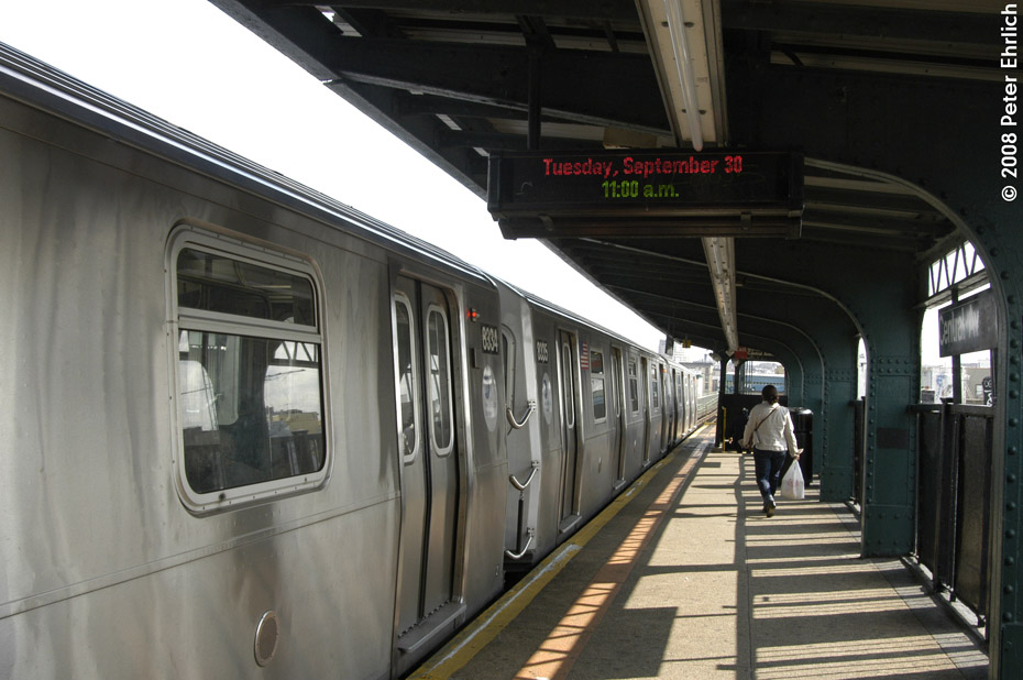 (180k, 930x618)<br><b>Country:</b> United States<br><b>City:</b> New York<br><b>System:</b> New York City Transit<br><b>Line:</b> BMT Myrtle Avenue Line<br><b>Location:</b> Central Avenue <br><b>Route:</b> M<br><b>Car:</b> R-160A-1 (Alstom, 2005-2008, 4 car sets)  8334 <br><b>Photo by:</b> Peter Ehrlich<br><b>Date:</b> 9/30/2008<br><b>Notes:</b> Outbound train.<br><b>Viewed (this week/total):</b> 5 / 1698