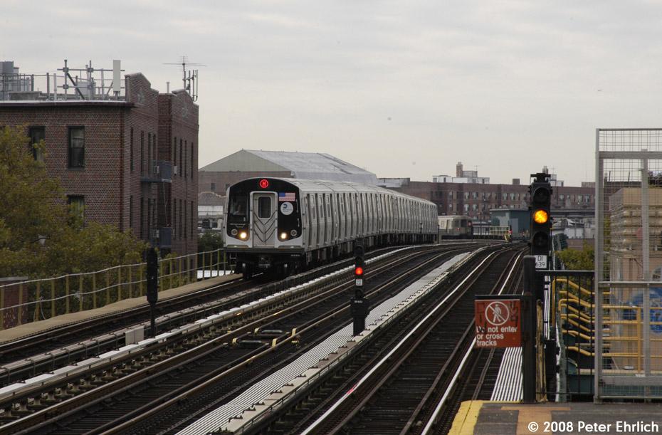 (205k, 930x611)<br><b>Country:</b> United States<br><b>City:</b> New York<br><b>System:</b> New York City Transit<br><b>Line:</b> BMT West End Line<br><b>Location:</b> 79th Street <br><b>Route:</b> M<br><b>Car:</b> R-160A-1 (Alstom, 2005-2008, 4 car sets)  8337 <br><b>Photo by:</b> Peter Ehrlich<br><b>Date:</b> 9/30/2008<br><b>Notes:</b> Inbound train.<br><b>Viewed (this week/total):</b> 0 / 1535