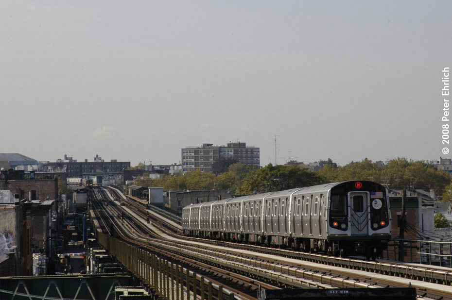 (162k, 930x618)<br><b>Country:</b> United States<br><b>City:</b> New York<br><b>System:</b> New York City Transit<br><b>Line:</b> BMT West End Line<br><b>Location:</b> 71st Street <br><b>Route:</b> M<br><b>Car:</b> R-160A-1 (Alstom, 2005-2008, 4 car sets)  8425 <br><b>Photo by:</b> Peter Ehrlich<br><b>Date:</b> 9/30/2008<br><b>Notes:</b> Outbound train.<br><b>Viewed (this week/total):</b> 1 / 1314