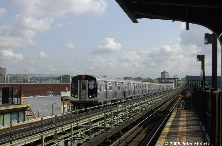(179k, 930x613)<br><b>Country:</b> United States<br><b>City:</b> New York<br><b>System:</b> New York City Transit<br><b>Line:</b> BMT Myrtle Avenue Line<br><b>Location:</b> Central Avenue <br><b>Route:</b> M<br><b>Car:</b> R-160A-1 (Alstom, 2005-2008, 4 car sets)  8429 <br><b>Photo by:</b> Peter Ehrlich<br><b>Date:</b> 9/30/2008<br><b>Notes:</b> Inbound train.<br><b>Viewed (this week/total):</b> 3 / 1690