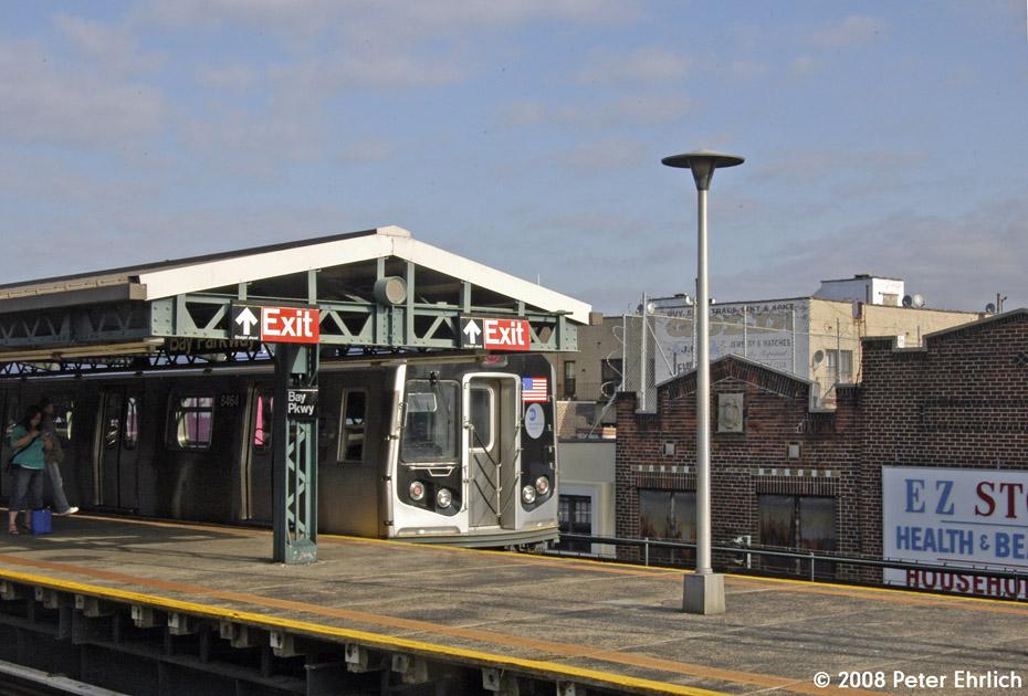 (194k, 930x630)<br><b>Country:</b> United States<br><b>City:</b> New York<br><b>System:</b> New York City Transit<br><b>Line:</b> BMT West End Line<br><b>Location:</b> Bay Parkway <br><b>Route:</b> M<br><b>Car:</b> R-160A-1 (Alstom, 2005-2008, 4 car sets)  8464 <br><b>Photo by:</b> Peter Ehrlich<br><b>Date:</b> 9/30/2008<br><b>Notes:</b> Inbound train.<br><b>Viewed (this week/total):</b> 0 / 1594