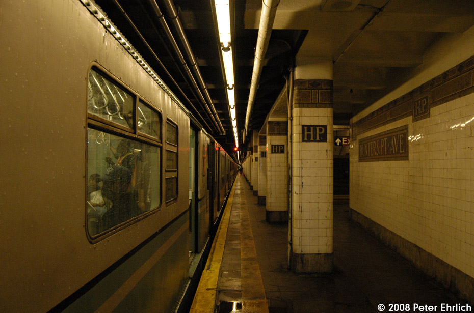 (201k, 930x615)<br><b>Country:</b> United States<br><b>City:</b> New York<br><b>System:</b> New York City Transit<br><b>Line:</b> IRT Flushing Line<br><b>Location:</b> Hunterspoint Avenue <br><b>Route:</b> Museum Train Service (7)<br><b>Car:</b> R-33 World's Fair (St. Louis, 1963-64) 9306 <br><b>Photo by:</b> Peter Ehrlich<br><b>Date:</b> 9/28/2008<br><b>Notes:</b> Hunterspoint Avenue inbound.<br><b>Viewed (this week/total):</b> 1 / 2058