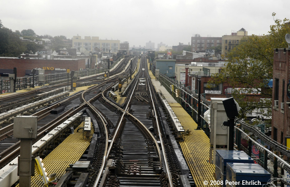 (233k, 930x599)<br><b>Country:</b> United States<br><b>City:</b> New York<br><b>System:</b> New York City Transit<br><b>Line:</b> IRT Flushing Line<br><b>Location:</b> 74th Street/Broadway <br><b>Photo by:</b> Peter Ehrlich<br><b>Date:</b> 9/28/2008<br><b>Notes:</b> New crossovers east of 74 St-Broadway Station, replacing the old ones between 61 St and 69 St.<br><b>Viewed (this week/total):</b> 0 / 1499