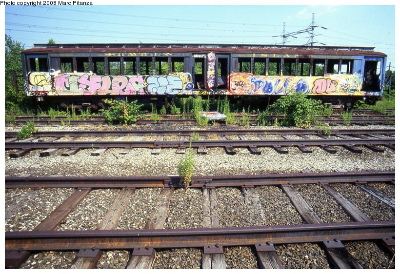 (270k, 820x562)<br><b>Country:</b> United States<br><b>City:</b> New York<br><b>System:</b> New York City Transit<br><b>Line:</b> SIRT<br><b>Location:</b> Travis Yard, Staten Island<br><b>Car:</b> SIRT ME-1 (Motor) 353 <br><b>Photo by:</b> Marc Pitanza<br><b>Date:</b> 7/17/2002<br><b>Viewed (this week/total):</b> 0 / 2388