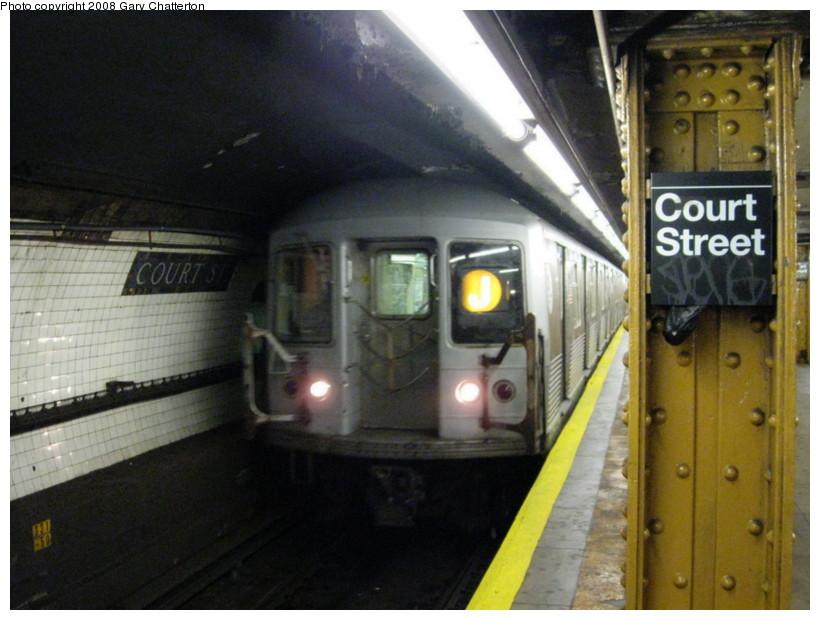 (126k, 820x620)<br><b>Country:</b> United States<br><b>City:</b> New York<br><b>System:</b> New York City Transit<br><b>Line:</b> BMT Broadway Line<br><b>Location:</b> Court Street <br><b>Route:</b> J Shuttle<br><b>Car:</b> R-42 (St. Louis, 1969-1970)  4811 <br><b>Photo by:</b> Gary Chatterton<br><b>Date:</b> 10/5/2008<br><b>Viewed (this week/total):</b> 2 / 2357