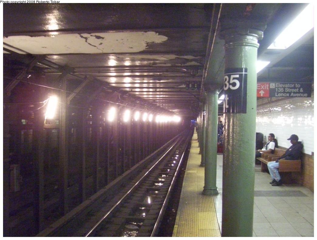 (208k, 1044x791)<br><b>Country:</b> United States<br><b>City:</b> New York<br><b>System:</b> New York City Transit<br><b>Line:</b> IRT Lenox Line<br><b>Location:</b> 135th Street <br><b>Photo by:</b> Roberto C. Tobar<br><b>Date:</b> 10/10/2008<br><b>Viewed (this week/total):</b> 0 / 2389