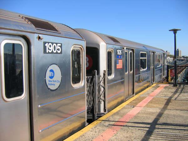 (44k, 600x450)<br><b>Country:</b> United States<br><b>City:</b> New York<br><b>System:</b> New York City Transit<br><b>Line:</b> IRT Brooklyn Line<br><b>Location:</b> Sutter Avenue/Rutland Road <br><b>Route:</b> 3<br><b>Car:</b> R-62A (Bombardier, 1984-1987)  1926 <br><b>Photo by:</b> Professor J<br><b>Date:</b> 10/20/2008<br><b>Viewed (this week/total):</b> 0 / 1825