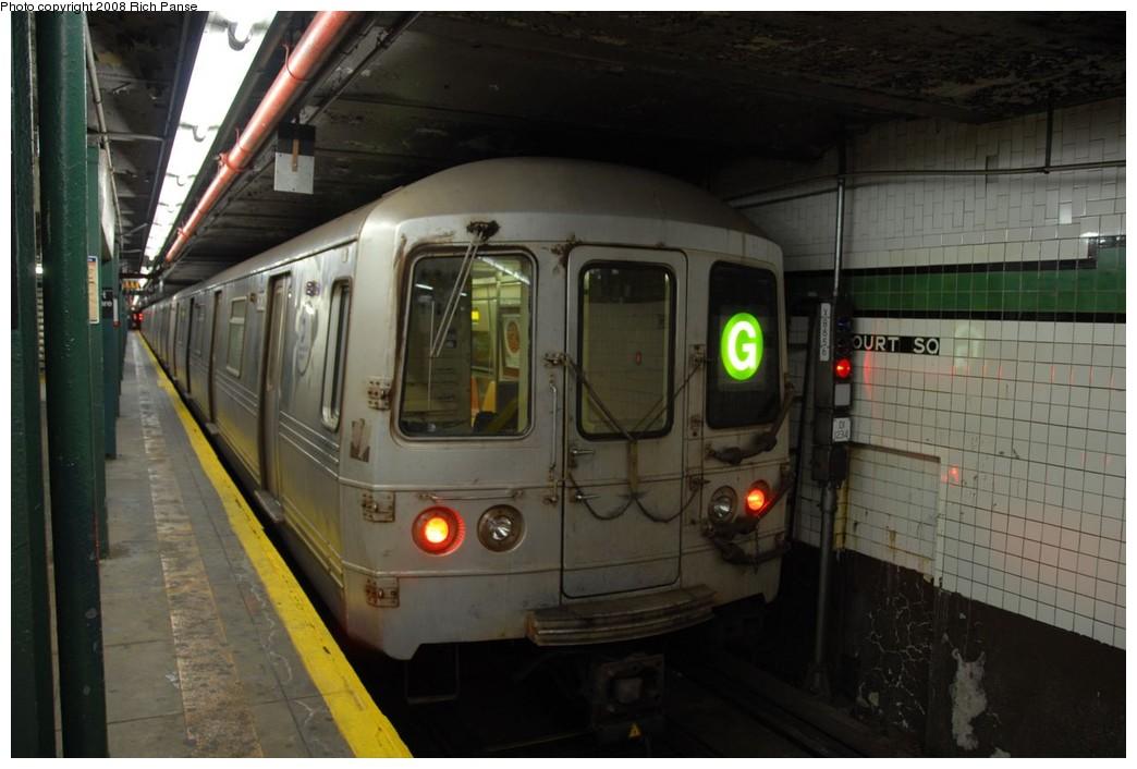 (181k, 1044x706)<br><b>Country:</b> United States<br><b>City:</b> New York<br><b>System:</b> New York City Transit<br><b>Line:</b> IND Crosstown Line<br><b>Location:</b> Court Square <br><b>Route:</b> G<br><b>Car:</b> R-46 (Pullman-Standard, 1974-75) 6082 <br><b>Photo by:</b> Richard Panse<br><b>Date:</b> 9/24/2008<br><b>Viewed (this week/total):</b> 0 / 1536