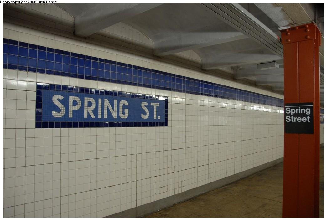 (175k, 1044x706)<br><b>Country:</b> United States<br><b>City:</b> New York<br><b>System:</b> New York City Transit<br><b>Line:</b> IND 8th Avenue Line<br><b>Location:</b> Spring Street <br><b>Photo by:</b> Richard Panse<br><b>Date:</b> 9/25/2008<br><b>Viewed (this week/total):</b> 0 / 1387