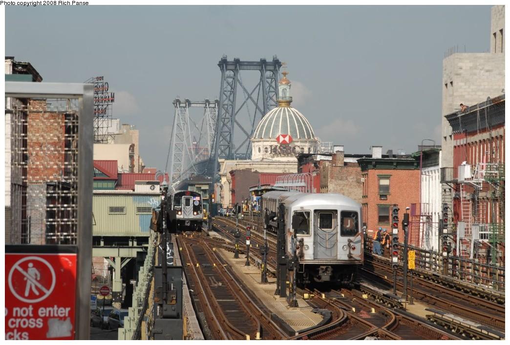 (227k, 1044x706)<br><b>Country:</b> United States<br><b>City:</b> New York<br><b>System:</b> New York City Transit<br><b>Line:</b> BMT Nassau Street/Jamaica Line<br><b>Location:</b> Hewes Street <br><b>Route:</b> J<br><b>Car:</b> R-42 (St. Louis, 1969-1970)  4778 <br><b>Photo by:</b> Richard Panse<br><b>Date:</b> 9/30/2008<br><b>Viewed (this week/total):</b> 1 / 1641