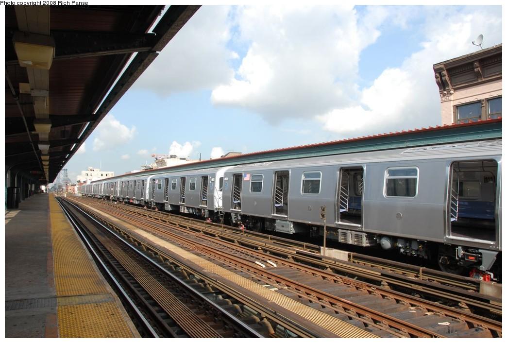 (217k, 1044x706)<br><b>Country:</b> United States<br><b>City:</b> New York<br><b>System:</b> New York City Transit<br><b>Line:</b> BMT Nassau Street/Jamaica Line<br><b>Location:</b> Hewes Street <br><b>Route:</b> Testing<br><b>Car:</b> R-160A-1 (Alstom, 2005-2008, 4 car sets)  8651/8650 <br><b>Photo by:</b> Richard Panse<br><b>Date:</b> 9/30/2008<br><b>Viewed (this week/total):</b> 0 / 1942