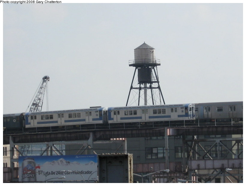 (86k, 820x620)<br><b>Country:</b> United States<br><b>City:</b> New York<br><b>System:</b> New York City Transit<br><b>Line:</b> BMT Astoria Line<br><b>Location:</b> Queensborough Plaza <br><b>Car:</b> R-33 Main Line (St. Louis, 1962-63) 9010/9011 <br><b>Photo by:</b> Gary Chatterton<br><b>Date:</b> 10/9/2008<br><b>Notes:</b> Equipment move on the Astoria line.<br><b>Viewed (this week/total):</b> 0 / 2228