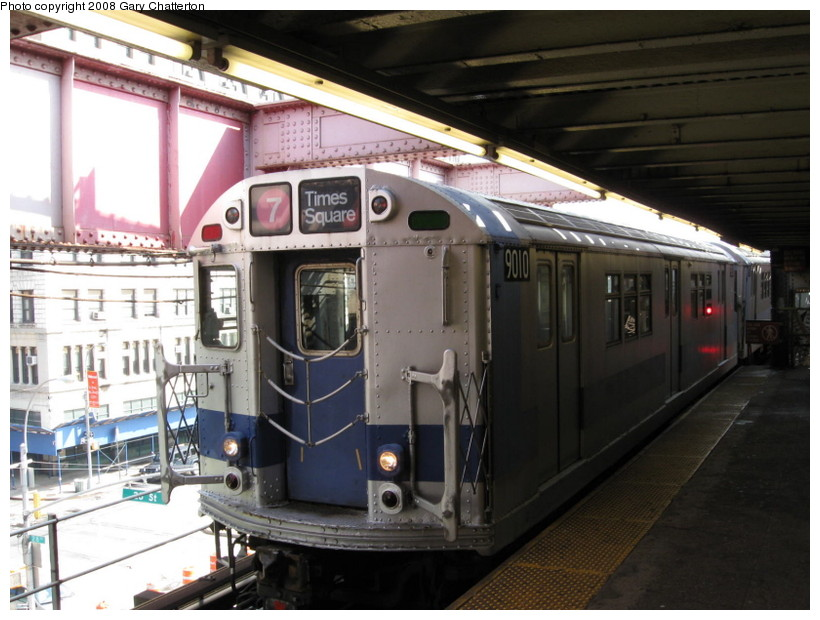 (135k, 820x620)<br><b>Country:</b> United States<br><b>City:</b> New York<br><b>System:</b> New York City Transit<br><b>Line:</b> IRT Flushing Line<br><b>Location:</b> Queensborough Plaza <br><b>Car:</b> R-33 Main Line (St. Louis, 1962-63) 9010 <br><b>Photo by:</b> Gary Chatterton<br><b>Date:</b> 10/9/2008<br><b>Viewed (this week/total):</b> 2 / 2199