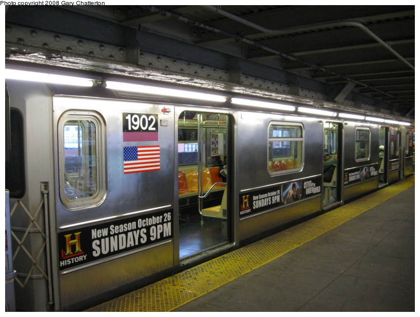 (137k, 820x620)<br><b>Country:</b> United States<br><b>City:</b> New York<br><b>System:</b> New York City Transit<br><b>Line:</b> IRT Flushing Line<br><b>Location:</b> Queensborough Plaza <br><b>Route:</b> 7<br><b>Car:</b> R-62A (Bombardier, 1984-1987)  1902 <br><b>Photo by:</b> Gary Chatterton<br><b>Date:</b> 10/24/2008<br><b>Viewed (this week/total):</b> 1 / 2698