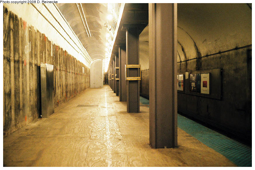 (169k, 820x548)<br><b>Country:</b> United States<br><b>City:</b> Chicago, IL<br><b>System:</b> Chicago Transit Authority<br><b>Line:</b> CTA Red<br><b>Location:</b> Grand<br><b>Photo by:</b> D. Reinecke<br><b>Date:</b> 10/29/2008<br><b>Viewed (this week/total):</b> 0 / 810