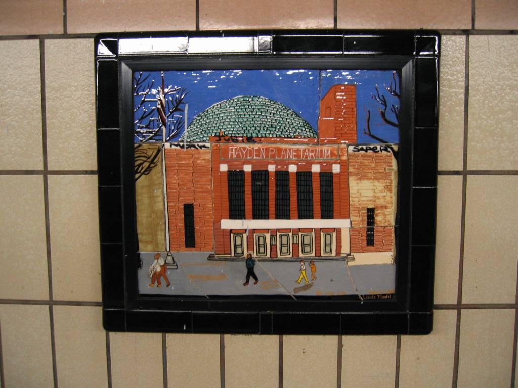 (104k, 1024x768)<br><b>Country:</b> United States<br><b>City:</b> New York<br><b>System:</b> New York City Transit<br><b>Line:</b> IRT West Side Line<br><b>Location:</b> 86th Street <br><b>Photo by:</b> Robbie Rosenfeld<br><b>Date:</b> 5/4/2005<br><b>Artwork:</b> <i>Westside Views</i>, Nitza Tufino (1989).<br><b>Viewed (this week/total):</b> 1 / 1294