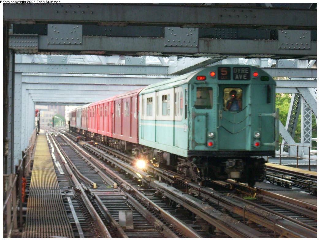 (296k, 1044x788)<br><b>Country:</b> United States<br><b>City:</b> New York<br><b>System:</b> New York City Transit<br><b>Line:</b> IRT West Side Line<br><b>Location:</b> Broadway Bridge <br><b>Route:</b> Fan Trip<br><b>Car:</b> R-33 World's Fair (St. Louis, 1963-64) 9306 <br><b>Photo by:</b> Zach Summer<br><b>Date:</b> 8/2/2008<br><b>Viewed (this week/total):</b> 1 / 2375