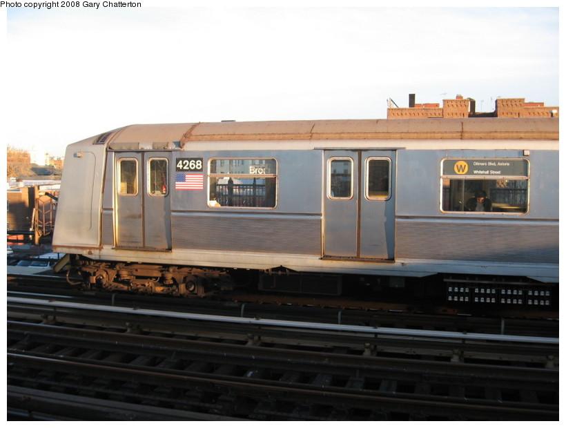 (101k, 820x620)<br><b>Country:</b> United States<br><b>City:</b> New York<br><b>System:</b> New York City Transit<br><b>Line:</b> BMT Astoria Line<br><b>Location:</b> Broadway <br><b>Route:</b> W<br><b>Car:</b> R-40 (St. Louis, 1968)  4268 <br><b>Photo by:</b> Gary Chatterton<br><b>Date:</b> 11/21/2006<br><b>Viewed (this week/total):</b> 0 / 1897
