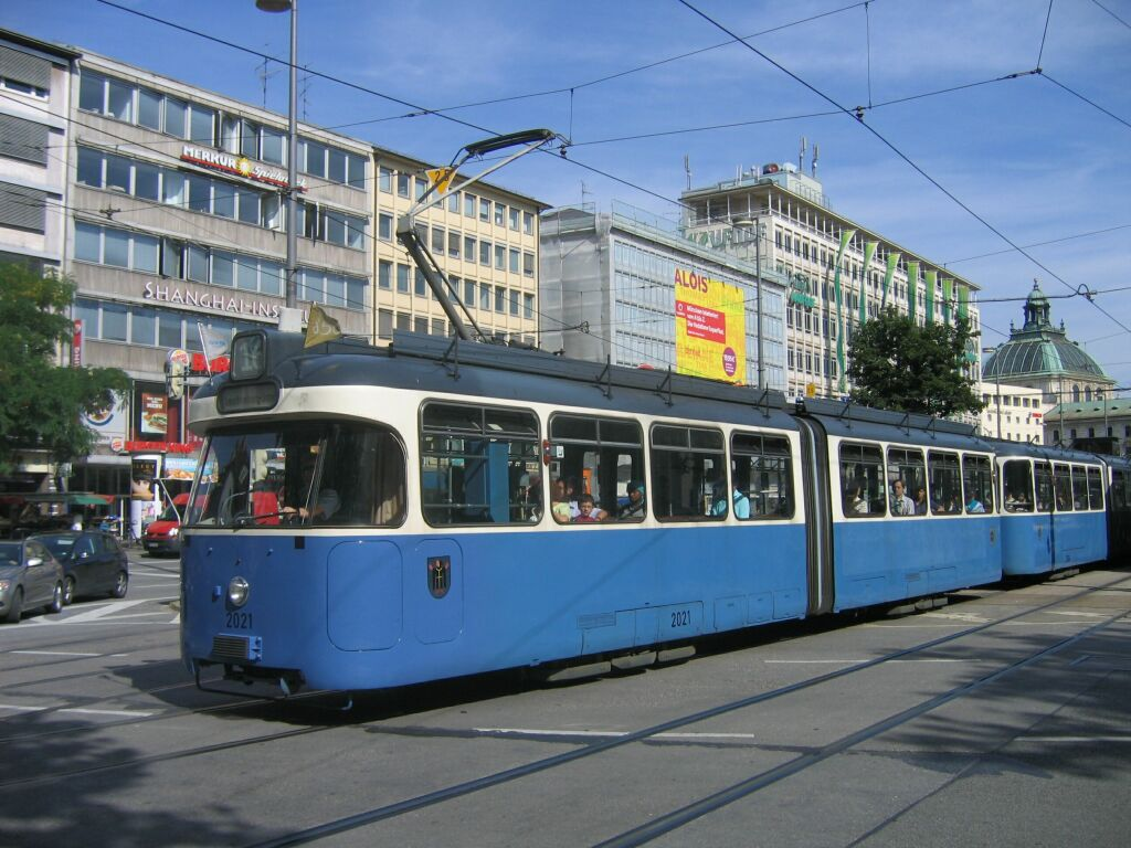 (139k, 1024x768)<br><b>Country:</b> Germany<br><b>City:</b> Munich<br><b>System:</b> MVG (Munchener Verkehrsgesellschaft)<br><b>Location:</b> Karlsplatz<br><b>Route:</b> 16<br><b>Car:</b> Rathgeber Type P 2021 + 3004 <br><b>Photo by:</b> Jos Straathof<br><b>Date:</b> 8/14/2008<br><b>Viewed (this week/total):</b> 0 / 522