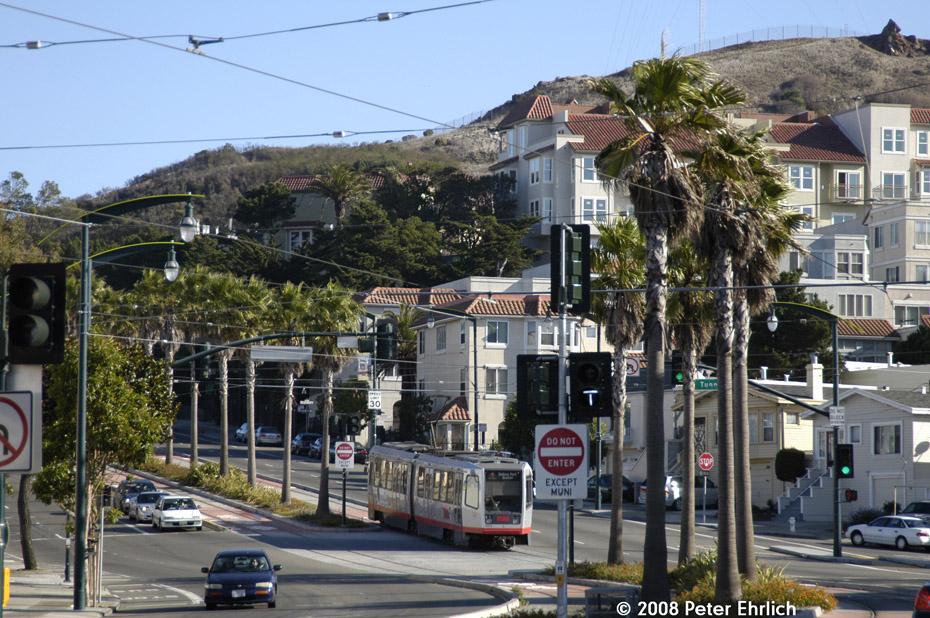 (267k, 930x618)<br><b>Country:</b> United States<br><b>City:</b> San Francisco/Bay Area, CA<br><b>System:</b> SF MUNI<br><b>Line:</b> MUNI 3rd Street Light Rail<br><b>Location:</b> Bayshore Blvd./Tunnel Ave. <br><b>Car:</b> SF MUNI Breda LRV 1474 <br><b>Photo by:</b> Peter Ehrlich<br><b>Date:</b> 11/9/2008<br><b>Notes:</b> Bayshore/Tunnel Avenue, outbound. Trailing view.<br><b>Viewed (this week/total):</b> 1 / 513