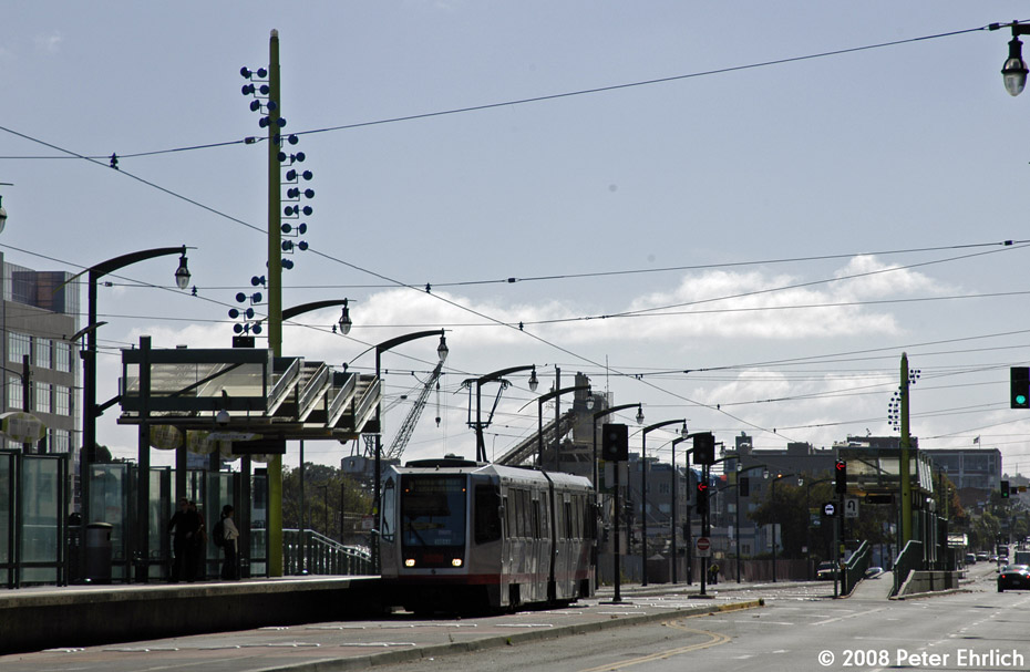 (175k, 930x607)<br><b>Country:</b> United States<br><b>City:</b> San Francisco/Bay Area, CA<br><b>System:</b> SF MUNI<br><b>Line:</b> MUNI 3rd Street Light Rail<br><b>Location:</b> <b><u>UCSF/Mission Bay</u></b> <br><b>Car:</b> SF MUNI Breda LRV 1484 <br><b>Photo by:</b> Peter Ehrlich<br><b>Date:</b> 11/9/2008<br><b>Notes:</b> UCSF/Mission Bay Station, outbound.<br><b>Viewed (this week/total):</b> 3 / 351