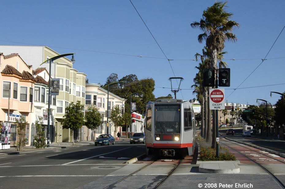 (209k, 930x618)<br><b>Country:</b> United States<br><b>City:</b> San Francisco/Bay Area, CA<br><b>System:</b> SF MUNI<br><b>Line:</b> MUNI 3rd Street Light Rail<br><b>Location:</b> Bayshore Blvd./Vistacion Ave. <br><b>Car:</b> SF MUNI Breda LRV 1485 <br><b>Photo by:</b> Peter Ehrlich<br><b>Date:</b> 11/9/2008<br><b>Notes:</b> Bayshore/Visitacion.<br><b>Viewed (this week/total):</b> 0 / 403