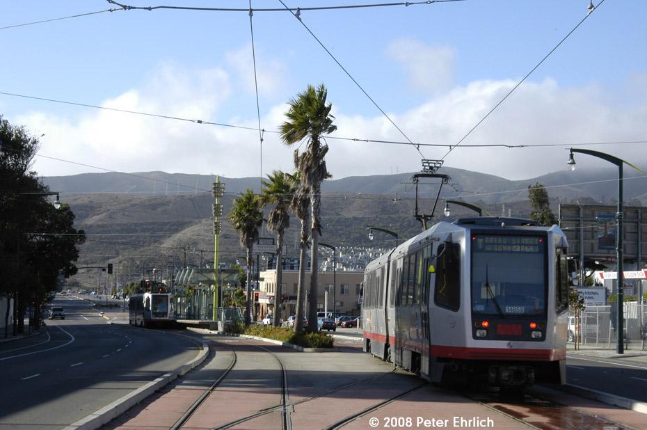 (185k, 930x618)<br><b>Country:</b> United States<br><b>City:</b> San Francisco/Bay Area, CA<br><b>System:</b> SF MUNI<br><b>Line:</b> MUNI 3rd Street Light Rail<br><b>Location:</b> Bayshore Blvd./Vistacion Ave. <br><b>Car:</b> SF MUNI Breda LRV 1485 <br><b>Photo by:</b> Peter Ehrlich<br><b>Date:</b> 11/9/2008<br><b>Notes:</b> Bayshore/Visitacion.<br><b>Viewed (this week/total):</b> 0 / 499