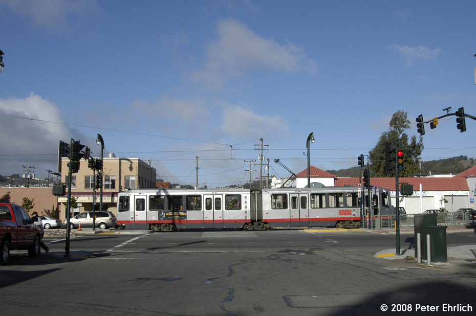 (155k, 930x618)<br><b>Country:</b> United States<br><b>City:</b> San Francisco/Bay Area, CA<br><b>System:</b> SF MUNI<br><b>Line:</b> MUNI 3rd Street Light Rail<br><b>Location:</b> <b><u>Sunnydale Ave.</u></b> <br><b>Car:</b> SF MUNI Breda LRV 1524 <br><b>Photo by:</b> Peter Ehrlich<br><b>Date:</b> 11/9/2008<br><b>Notes:</b> Bayshore/Sunnydale, outbound.<br><b>Viewed (this week/total):</b> 0 / 552