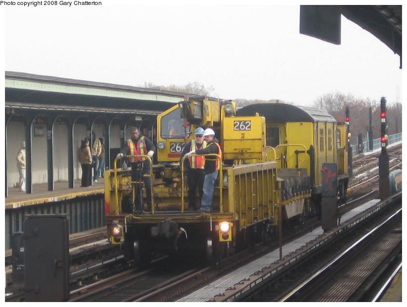 (120k, 820x620)<br><b>Country:</b> United States<br><b>City:</b> New York<br><b>System:</b> New York City Transit<br><b>Line:</b> IND Fulton Street Line<br><b>Location:</b> 80th Street/Hudson Street <br><b>Route:</b> Work Service<br><b>Car:</b> R-113 Crane Car  262 <br><b>Photo by:</b> Gary Chatterton<br><b>Date:</b> 11/12/2008<br><b>Viewed (this week/total):</b> 0 / 1197