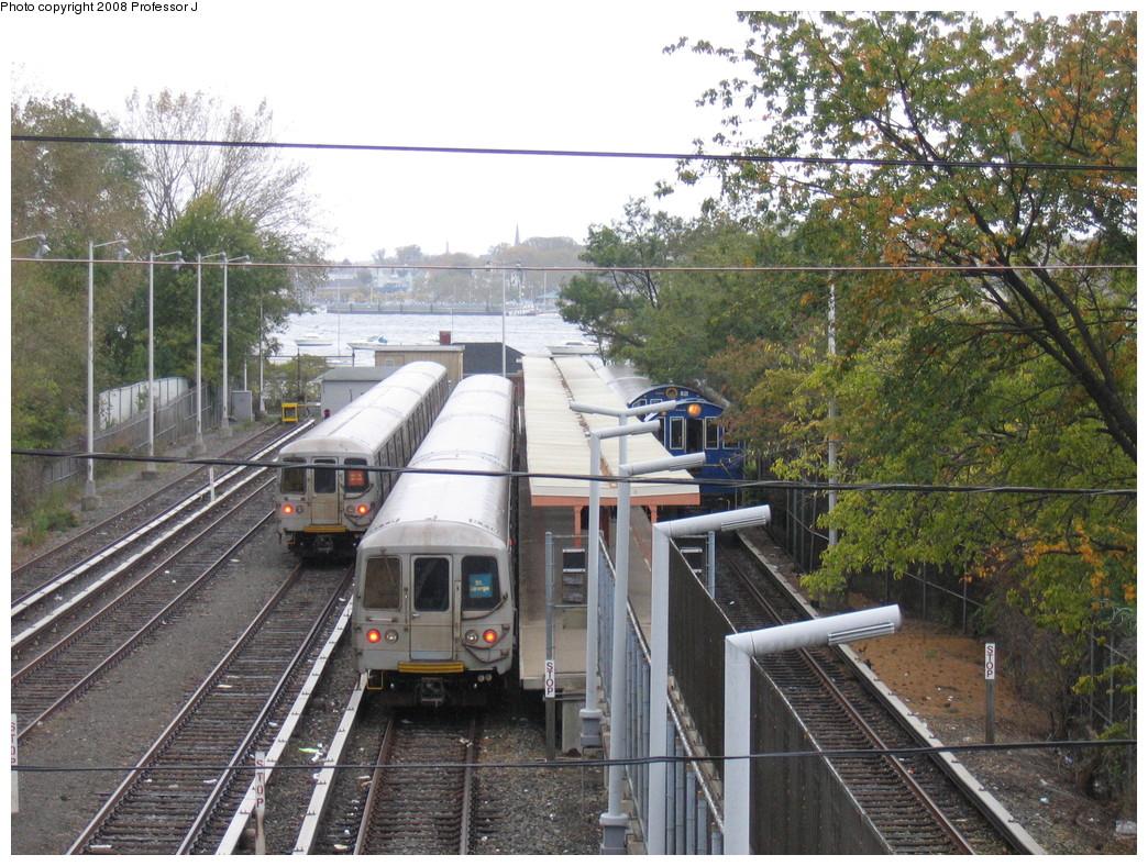 (307k, 1044x788)<br><b>Country:</b> United States<br><b>City:</b> New York<br><b>System:</b> New York City Transit<br><b>Line:</b> SIRT<br><b>Location:</b> Tottenville <br><b>Car:</b> R-44 SIRT (St. Louis, 1971-1973)  <br><b>Photo by:</b> Professor J<br><b>Date:</b> 10/25/2008<br><b>Notes:</b> Note Alco S-2 locomotives on Fan Trip on right.<br><b>Viewed (this week/total):</b> 0 / 2496