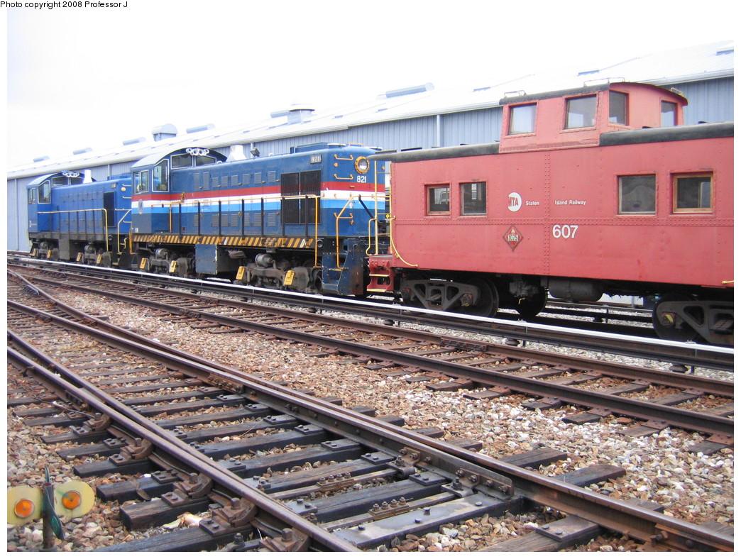 (291k, 1044x788)<br><b>Country:</b> United States<br><b>City:</b> New York<br><b>System:</b> New York City Transit<br><b>Line:</b> SIRT<br><b>Location:</b> Clifton Yard/Shops <br><b>Car:</b> SIRT Alco S-2 821 <br><b>Photo by:</b> Professor J<br><b>Date:</b> 10/25/2008<br><b>Notes:</b> Alco S-2 821 and mate, and caboose 607.<br><b>Viewed (this week/total):</b> 1 / 1771