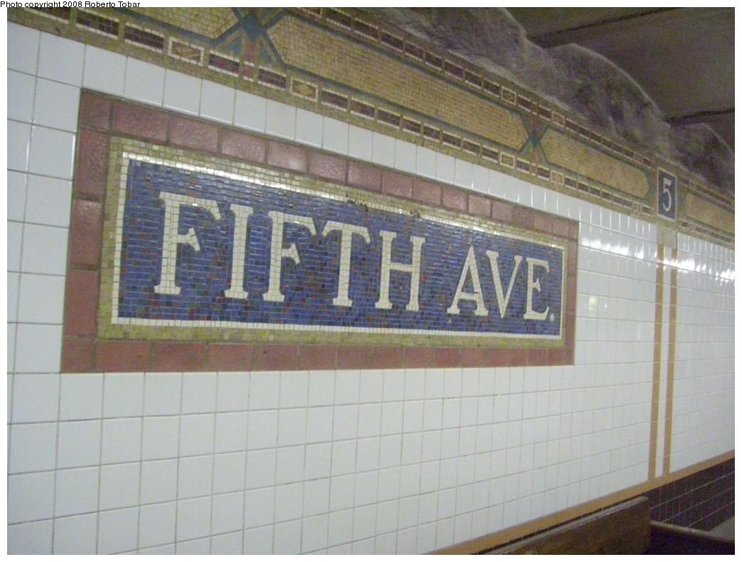 (192k, 1044x791)<br><b>Country:</b> United States<br><b>City:</b> New York<br><b>System:</b> New York City Transit<br><b>Line:</b> BMT Broadway Line<br><b>Location:</b> 5th Avenue <br><b>Photo by:</b> Roberto C. Tobar<br><b>Date:</b> 11/7/2008<br><b>Notes:</b> Mosaic.<br><b>Viewed (this week/total):</b> 0 / 1458