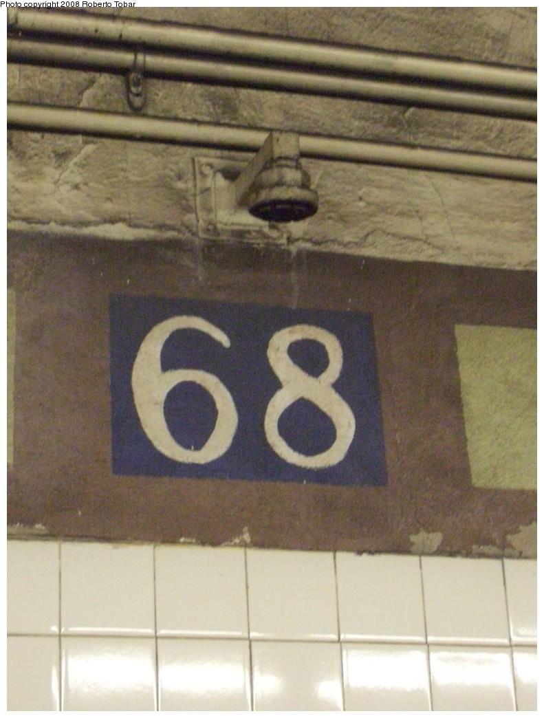 (179k, 791x1044)<br><b>Country:</b> United States<br><b>City:</b> New York<br><b>System:</b> New York City Transit<br><b>Line:</b> IRT East Side Line<br><b>Location:</b> 68th Street <br><b>Photo by:</b> Roberto C. Tobar<br><b>Date:</b> 11/7/2008<br><b>Viewed (this week/total):</b> 0 / 1203