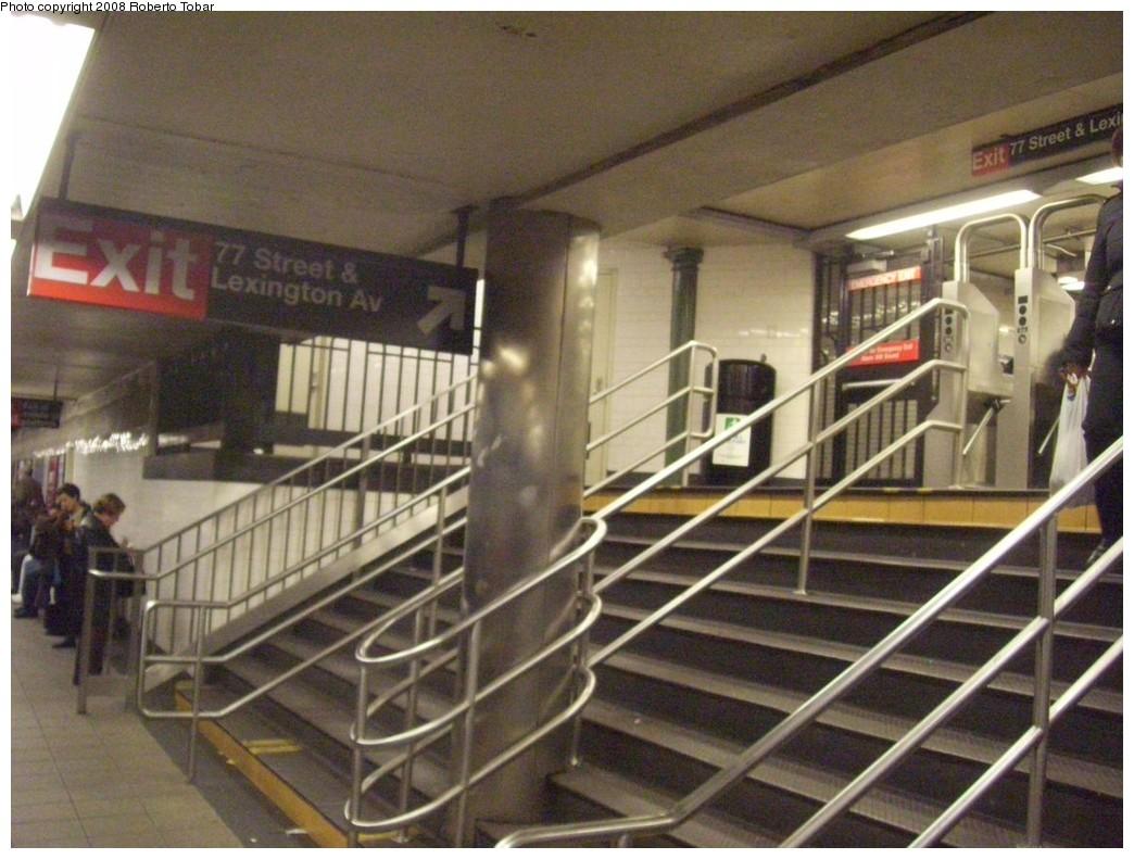 (216k, 1044x791)<br><b>Country:</b> United States<br><b>City:</b> New York<br><b>System:</b> New York City Transit<br><b>Line:</b> IRT East Side Line<br><b>Location:</b> 77th Street <br><b>Photo by:</b> Roberto C. Tobar<br><b>Date:</b> 11/7/2008<br><b>Viewed (this week/total):</b> 3 / 2222