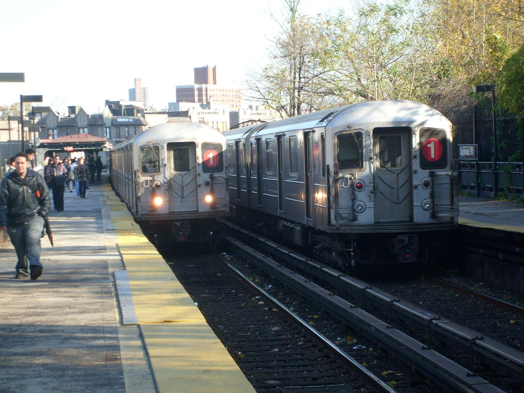 (197k, 1024x768)<br><b>Country:</b> United States<br><b>City:</b> New York<br><b>System:</b> New York City Transit<br><b>Line:</b> IRT West Side Line<br><b>Location:</b> Dyckman Street <br><b>Route:</b> 1<br><b>Car:</b> R-62A (Bombardier, 1984-1987)   <br><b>Photo by:</b> Oswaldo C.<br><b>Date:</b> 11/17/2008<br><b>Viewed (this week/total):</b> 5 / 2096