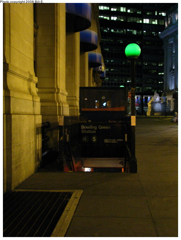 (131k, 620x820)<br><b>Country:</b> United States<br><b>City:</b> New York<br><b>System:</b> New York City Transit<br><b>Line:</b> IRT East Side Line<br><b>Location:</b> Bowling Green <br><b>Photo by:</b> Bill E.<br><b>Date:</b> 11/1/2008<br><b>Notes:</b> Entrance to the Bowling Green station<br><b>Viewed (this week/total):</b> 1 / 1593