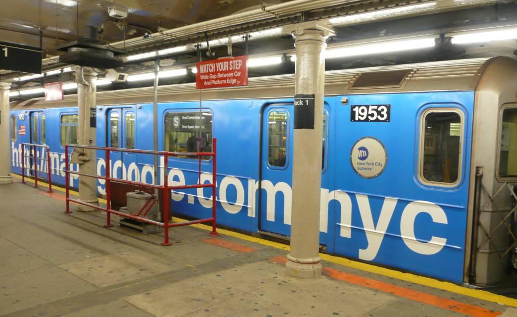 (108k, 1024x628)<br><b>Country:</b> United States<br><b>City:</b> New York<br><b>System:</b> New York City Transit<br><b>Line:</b> IRT Times Square-Grand Central Shuttle<br><b>Location:</b> Grand Central <br><b>Route:</b> S<br><b>Car:</b> R-62A (Bombardier, 1984-1987)  1953 <br><b>Photo by:</b> Robbie Rosenfeld<br><b>Date:</b> 11/12/2008<br><b>Viewed (this week/total):</b> 0 / 2505
