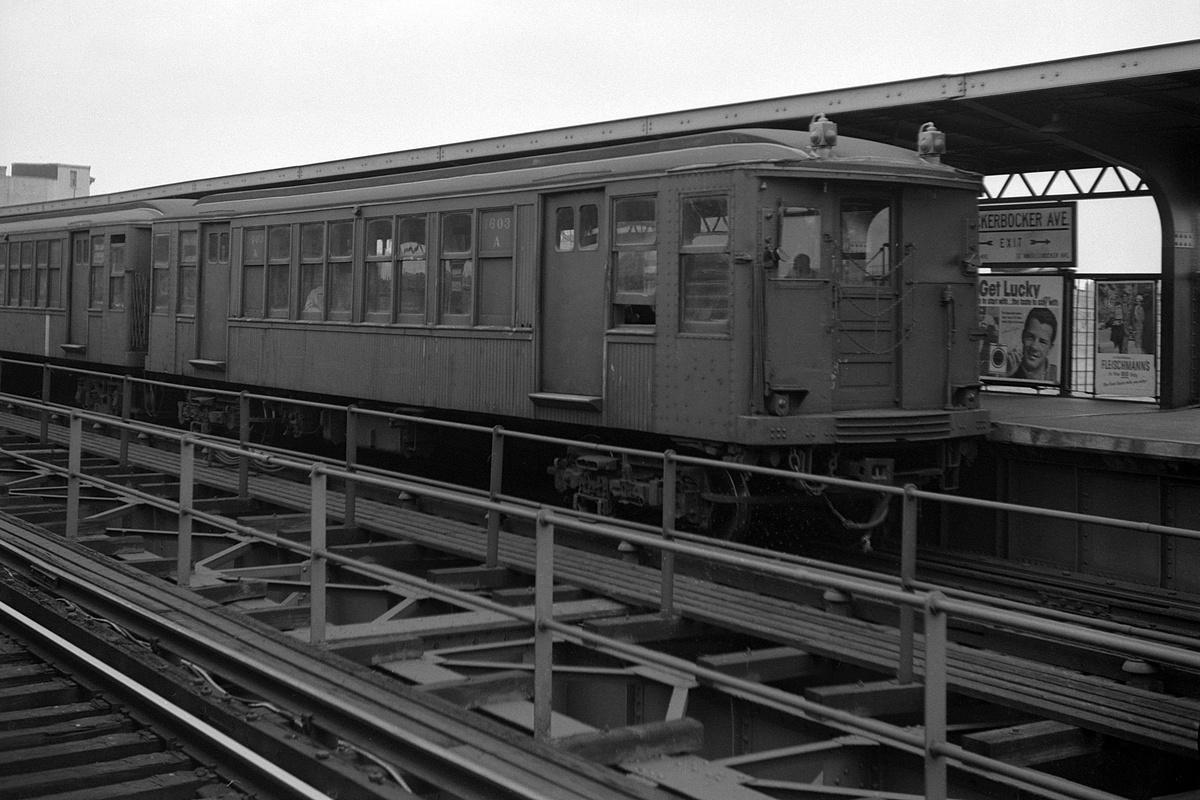 (114k, 1044x684)<br><b>Country:</b> United States<br><b>City:</b> New York<br><b>System:</b> New York City Transit<br><b>Line:</b> BMT West End Line<br><b>Location:</b> Bay 50th Street <br><b>Route:</b> BMT 3<br><b>Car:</b> BMT D-Type Triplex  <br><b>Photo by:</b> Joel Shanus<br><b>Date:</b> 9/14/1964<br><b>Viewed (this week/total):</b> 0 / 1762