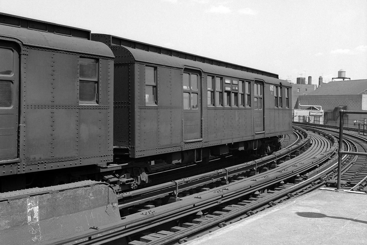 (177k, 1044x684)<br><b>Country:</b> United States<br><b>City:</b> New York<br><b>System:</b> New York City Transit<br><b>Line:</b> BMT Brighton Line<br><b>Location:</b> Brighton Beach <br><b>Route:</b> BMT 1<br><b>Car:</b> BMT D-Type Triplex 6063 <br><b>Photo by:</b> Joel Shanus<br><b>Date:</b> 9/14/1964<br><b>Viewed (this week/total):</b> 4 / 2258