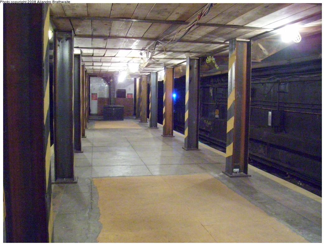 (256k, 1044x791)<br><b>Country:</b> United States<br><b>City:</b> New York<br><b>System:</b> New York City Transit<br><b>Line:</b> BMT Broadway Line<br><b>Location:</b> Jay St./Metrotech (Lawrence St.) <br><b>Photo by:</b> Aliandro Brathwaite<br><b>Date:</b> 11/26/2008<br><b>Notes:</b> Transfer corridor construction.<br><b>Viewed (this week/total):</b> 1 / 2348