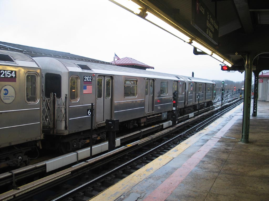 (134k, 1024x768)<br><b>Country:</b> United States<br><b>City:</b> New York<br><b>System:</b> New York City Transit<br><b>Line:</b> IRT Flushing Line<br><b>Location:</b> Willets Point/Mets (fmr. Shea Stadium) <br><b>Route:</b> 7<br><b>Car:</b> R-62A (Bombardier, 1984-1987)  2102 <br><b>Photo by:</b> Michael Pompili<br><b>Date:</b> 12/17/2003<br><b>Viewed (this week/total):</b> 0 / 1024