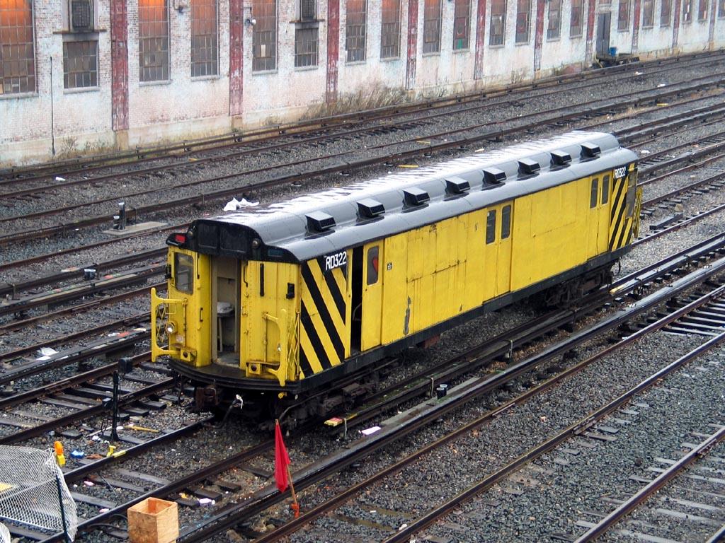 (252k, 1024x768)<br><b>Country:</b> United States<br><b>City:</b> New York<br><b>System:</b> New York City Transit<br><b>Location:</b> Corona Yard<br><b>Car:</b> R-71 Rider Car (R-17/R-21/R-22 Rebuilds)  RD322 (ex-5842)<br><b>Photo by:</b> Michael Pompili<br><b>Date:</b> 12/17/2003<br><b>Viewed (this week/total):</b> 0 / 1209